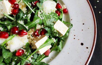 salata-cu-tofu-rucola-si-cuscus-de-post